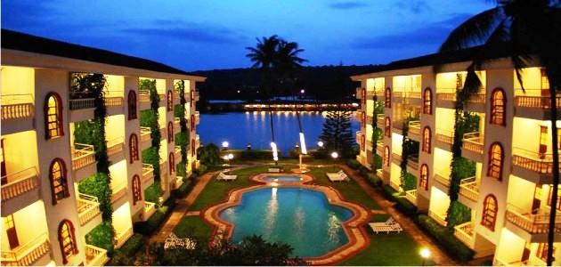 Marinha Dourada Resort by Night