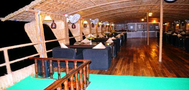 Lost Paradise Boat- Restaurant